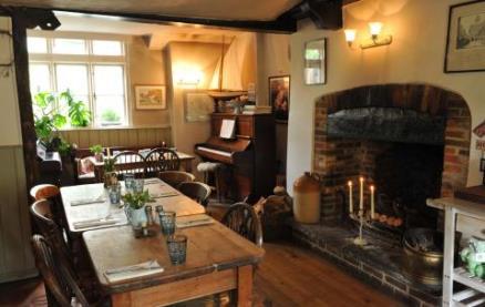 The Horse Guards Inn -Interior 1