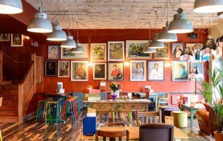 Como Lounge -Interior 1