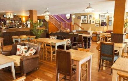 Loco Lounge -Interior 1