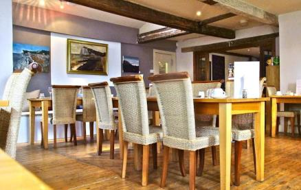 The Cliffe at The White Cliffs Hotel -Interior 2
