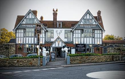 White Hart on the Green -Exterior1