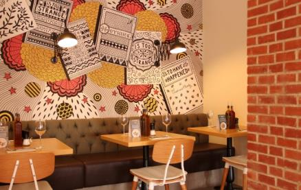 Zizzi (Dorchester) -Interior 1