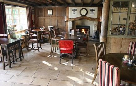 The Riverside (Lechlade) -Interior 1