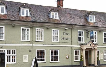 The Swan (Alton) -Exterior1