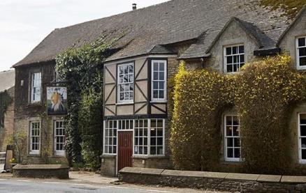 Hunters Hall Inn (Kingscote) -Exterior1