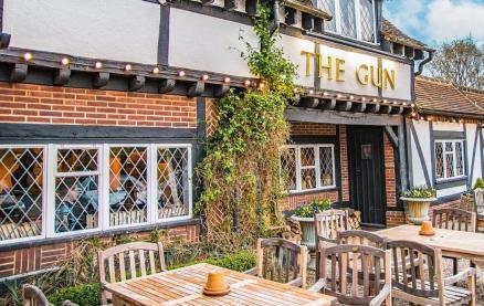 The Gun -Exterior