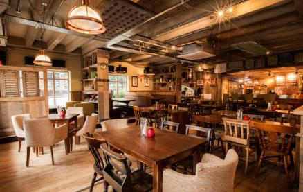 Brewhouse & Kitchen (Islington) -Interior 3