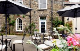 Allt-yr-Afon Restaurant & Brasserie